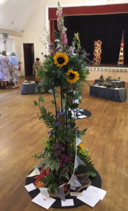 Class 8 1st, Joint Most Points, Best use of Foliage, Best in Show Sue Gibbons web